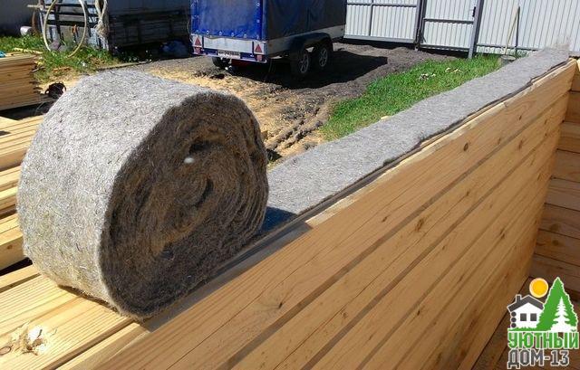 утепление межвенцовых швов деревянного дома