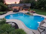 Как своими руками построить бассейн во дворе частного дома?